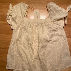 NTW Size Large Cream Textured Short Sleeve Top